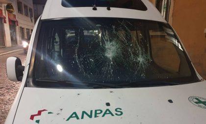 Ambulanza della Croce Verde Baggio danneggiata: preso il responsabile
