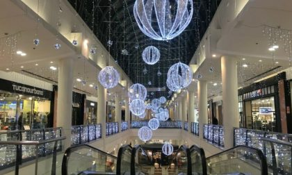 Oriocenter ringrazia: se fai shopping, gift card in regalo