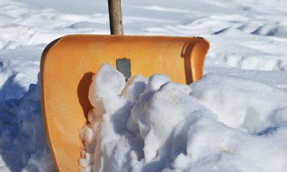 A Rozzano si cercano spalatori di neve. Compenso: 20 euro all'ora