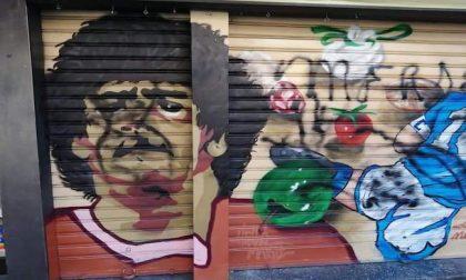 Imbrattato dai vandali il murale dedicato a Maradona a Rozzano