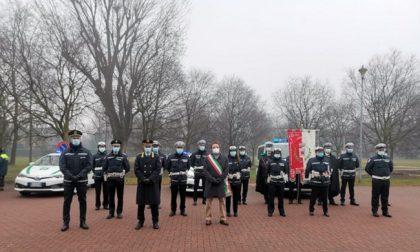 Agenti premiati durante la celebrazione al patrono della polizia locale