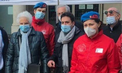 Alla raccolta di City Angels per i senzatetto la senatrice Liliana Segre
