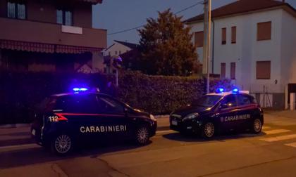 Perseguita la ex compagna e la picchia in strada: arrestato - VIDEO
