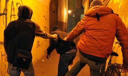 Rapinavano coetanei con violenza e minacce: in comunità due ragazzi di 15 e 16 anni