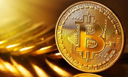Truffa del bitcoin: arrestati due 17enni che avevano pestato e rapinato un 46enne
