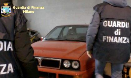 Case, soldi e auto di lusso ma redditi pari a zero: maxi sequestro al trafficante