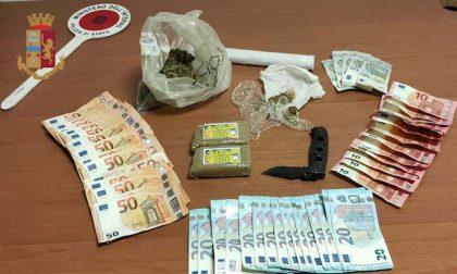 Nasconde nella sua cameretta droga, soldi e un coltello: arrestato 17enne