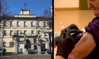"""Vaccinazioni sospese in Sacra Famiglia, il sindaco: """"Inaccettabile, vite appese a un filo"""""""