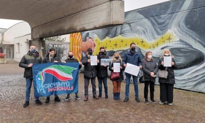 """Raccolta firme contro il murale sulle foibe: """"Da rimuovere subito"""""""