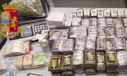 Oltre 41 chili di droga e 13mila euro in contanti nascosti in box: arrestato a Trezzano