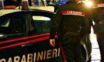 Donna accoltellata e uccisa in strada: il sospetto omicida è il compagno