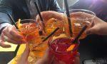 Aperitivi proibiti: sanzionati clienti di un bar a Trezzano che consumavano drink nel retro