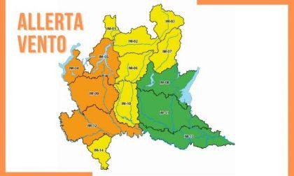 Raffiche di vento previste oggi pomeriggio: allerta arancione della Protezione civile