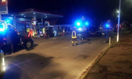 Scontro frontale tra due auto a Bollate: muore 55enne