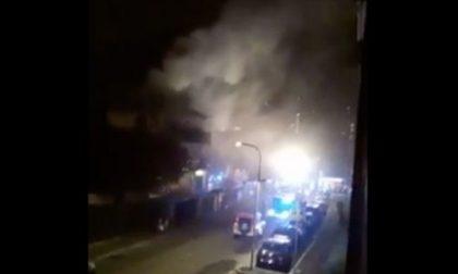 Fiamme dalla canna fumaria del camino, incendio devasta appartamento a Cesano