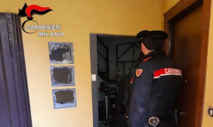 Lite per l'affitto, in due danno fuoco all'appartamento con dentro l'inquilino