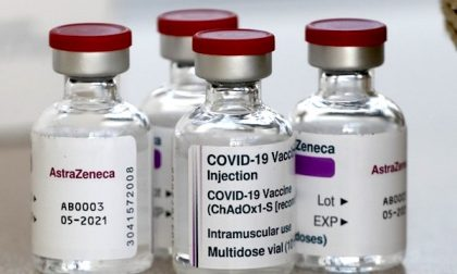 Aifa sospende la vaccinazione con AstraZeneca in tutta Italia