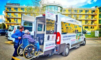 Le navette della rsa Naviglio al servizio di anziani e disabili per raggiungere i centri vaccinali