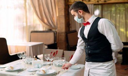 Bar e ristoranti aperti anche in zona rossa, ma solo per i lavoratori delle aziende