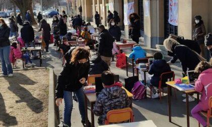 """Nuovo sit-in alla scuola Micca: """"Riaprire le scuole in sicurezza"""""""