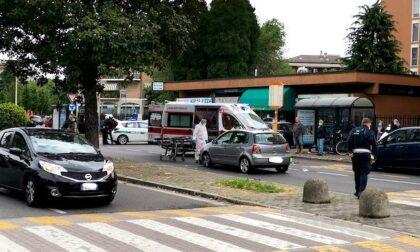 Ciclista investito a Buccinasco in via Emilia: atterra l'elisoccorso