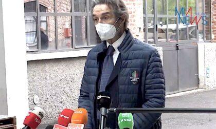 Fontana in visita all'hub vaccinale della Fabbrica del Vapore di Milano