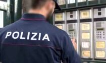 "Getta (invano) la droga dalla finestra per ""salvarsi"": arrestato pusher"