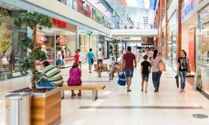 Ma i centri commerciali in zona gialla sono aperti nei weekend?
