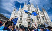 Trentamila tifosi interisti assembrati in Duomo per la vittoria dello Scudetto