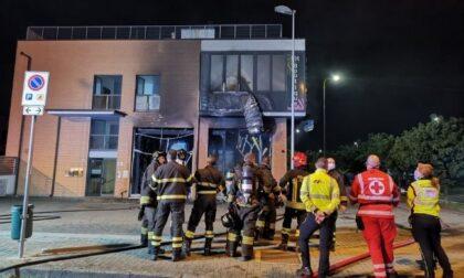 Devastante incendio distrugge la palestra Fit Boutique, ancora non si esclude matrice dolosa