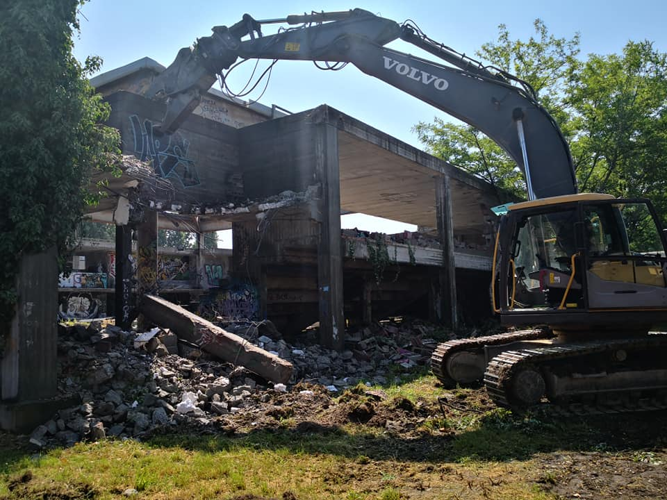 Struttura via Morona demolizione
