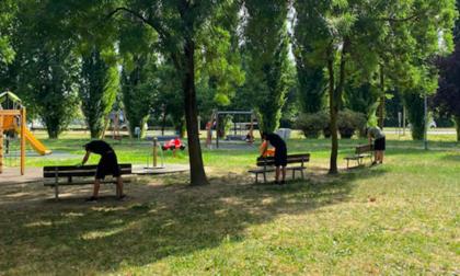 """Giovani impegnati nei lavoretti (retribuiti) per il Comune: a Zibido """"l'estate me la guadagno"""""""