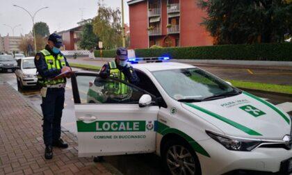 Ubriachi alla guida fermati dagli agenti: autista di un furgone e mamma con figlia minorenne