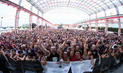 """Tre contagiati al Carroponte, Ats: """"Chi ha partecipato al concerto faccia il tampone"""""""