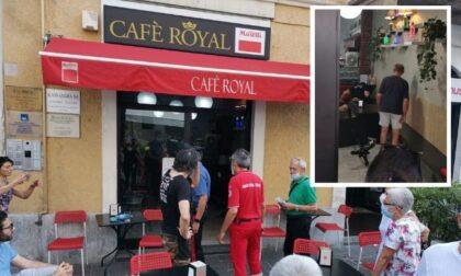Lite al bar in centro a Corsico, uomo aggredisce il proprietario a calci e pugni
