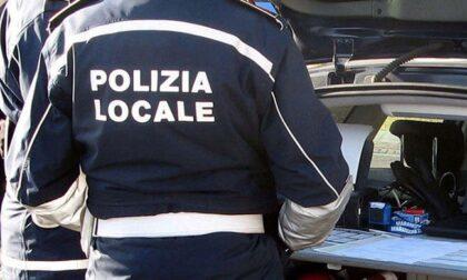 Lavoratori in nero costretti a dormire nei capannoni: scoperto laboratorio abusivo a Buccinasco