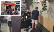 Lite al bar in centro a Corsico, l'aggressore torna al locale armato di martello