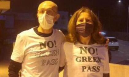 Dopo la vicequestore, la vigilessa-vicesindaco: in Consiglio con la maglia No Green pass